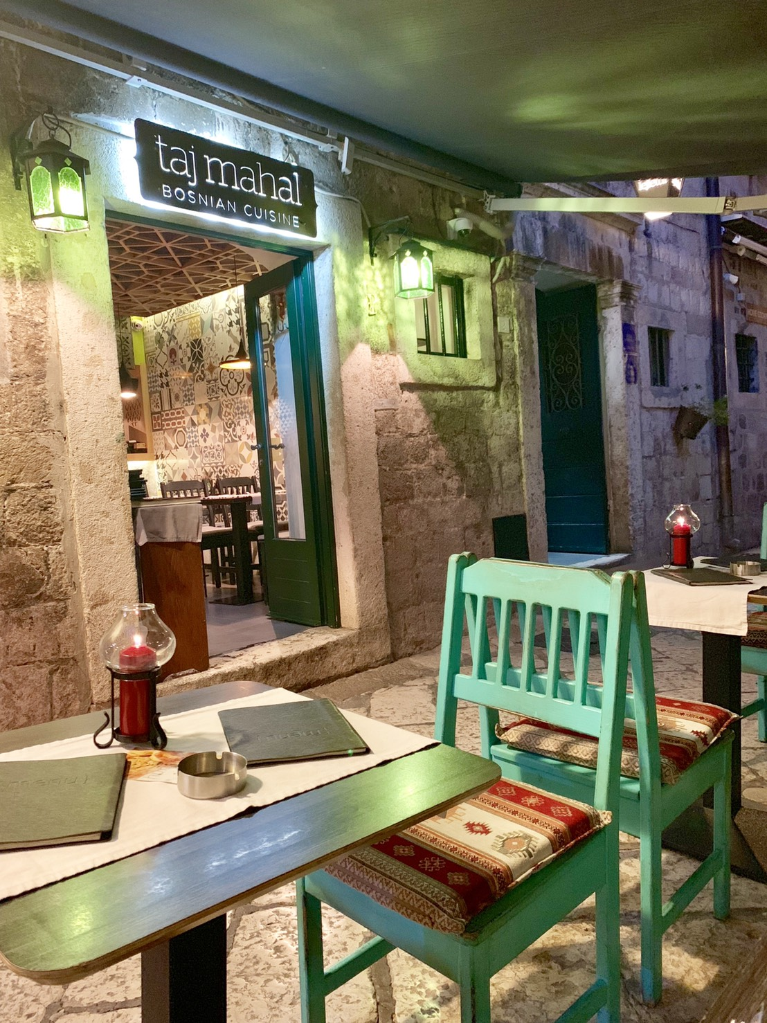 ボスニア料理専門店「Taj Mahal」